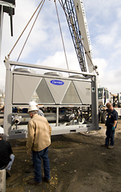 Setting a chiller on the Jobsite